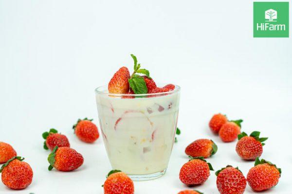cách làm sinh tố dâu tây sữa chua